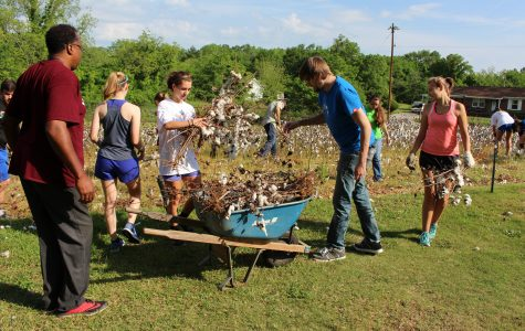 Students volunteer at historical site