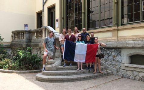Dr. Patrick Kiley with members of the 2017 Lyon trip at the Institut Lumiere.