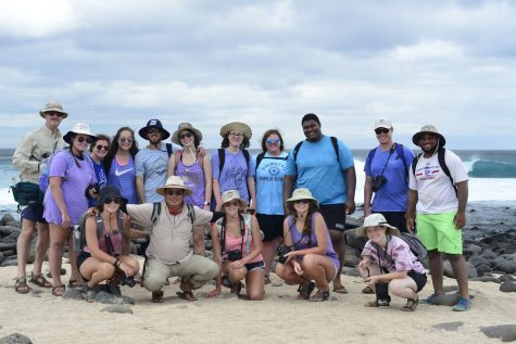 The group at Bachus Beach on South Seymour Island. Photo by Dr. Jim Wetzel